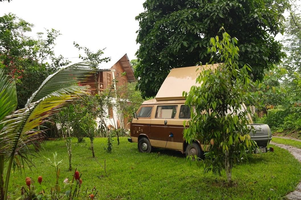 33 ons kampeerplekje in de tuin van Cabana Achiyacu Wasi