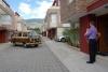 01 uitgezwaaid door Leen, Jimena en Dante, op weg naar Crater de Laguna Quilotoa. De vulkaanroute ten zuiden van Quito