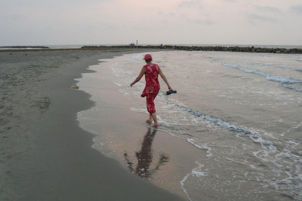 11 avond wandeling aan zee - tegenover het hotel aan de Avenida Santander - de Caribbean Sea