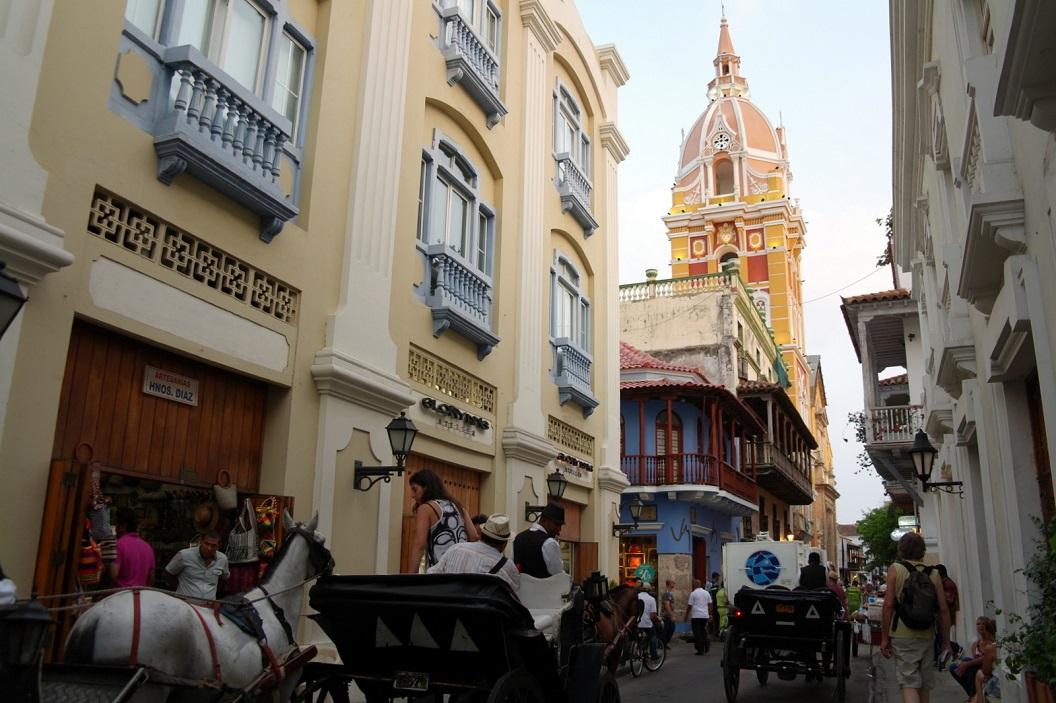 24 wandeling door de kleurrijke historische binnenstad van Cartagena