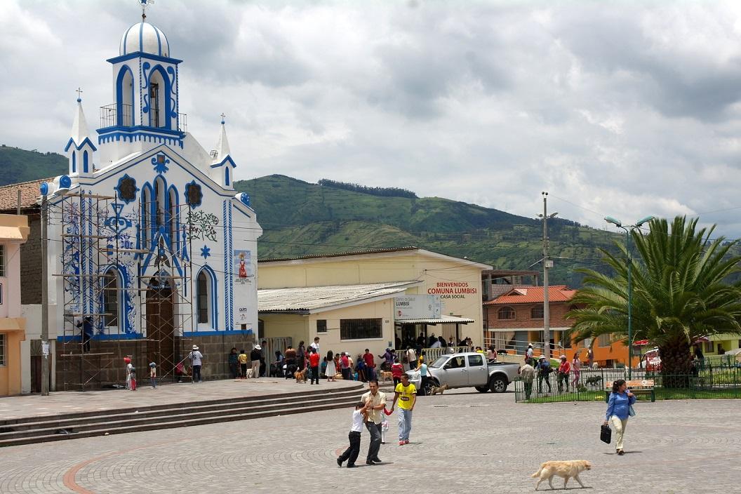 40 Iglesia Lumbisi in de steigers, voor een prachtige muurschildering