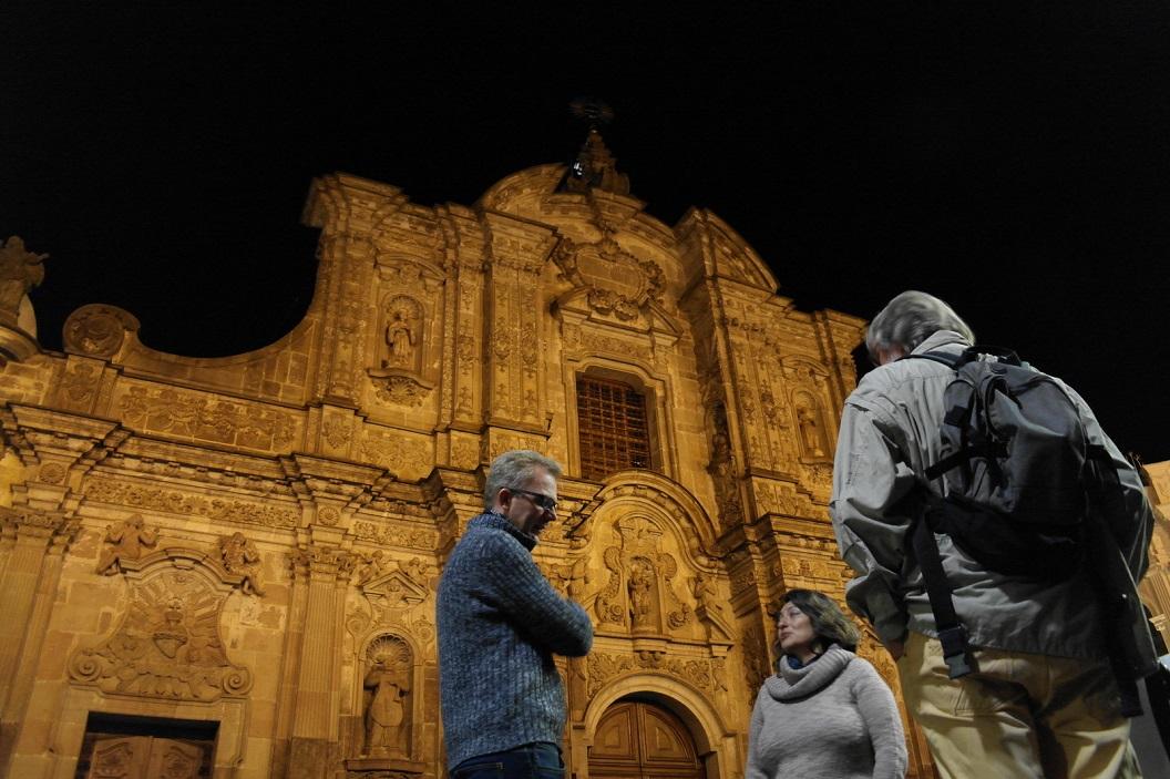 48 avond wandeling door de oude stad van Quito