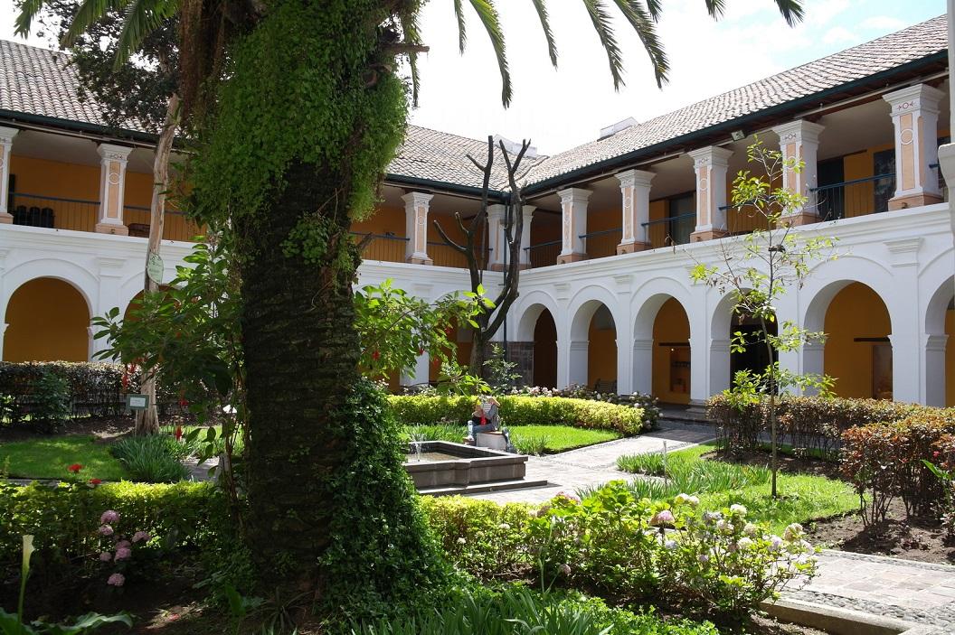28 binnentuin van Museo de La Cuidad in het voormalig het Hospital San Juan de Dios