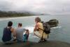22 genieten van de koele bries aan zee