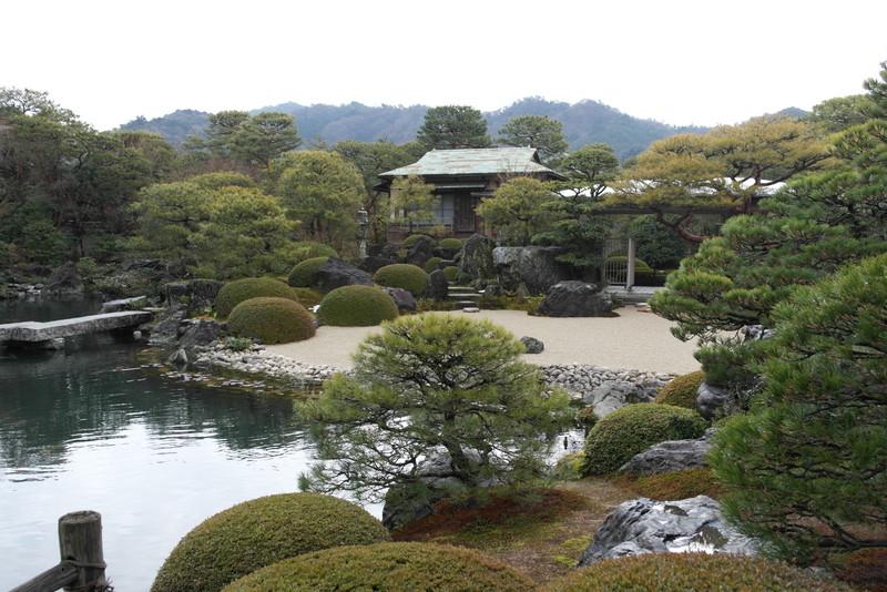 05-the-pond-garden
