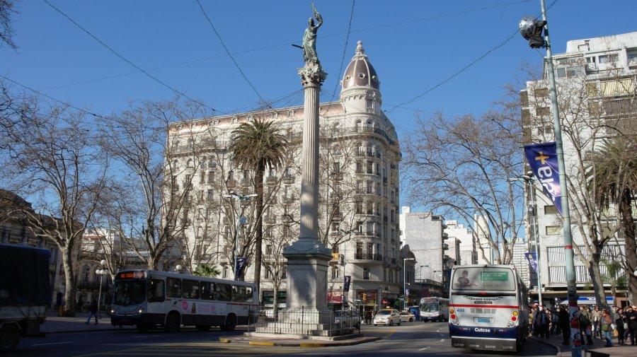 07 Plaza de Cagancha (Liberta) met Padegogico