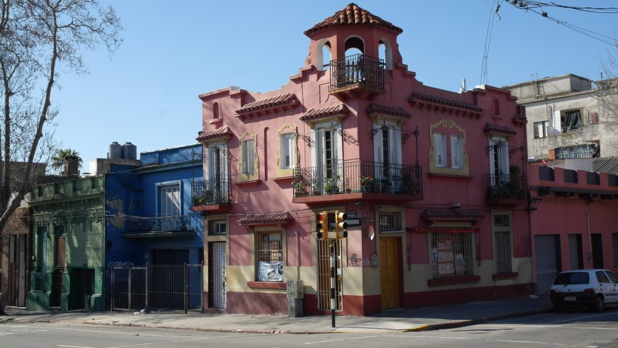 30 kleurig pandje Spaanse stijl met winkeltje in Dr Javier Barrios Amorin