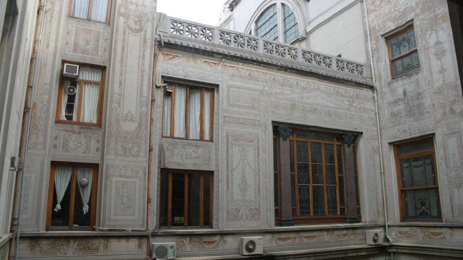 12 Decoratie buitenmuur van de binnenplaats Legislative Palace