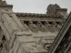 13 The Caryatids, decoratie aan de top van Legislative Palace, Vrouwenfiguren (Caryatids) symboliseren de verschillende ontwikkelingen in het land