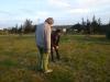 03 Eduardo laat de nieuwe aanplant van zijn boomgaard zien, 20 Pecannoot bomen uit Argentinie