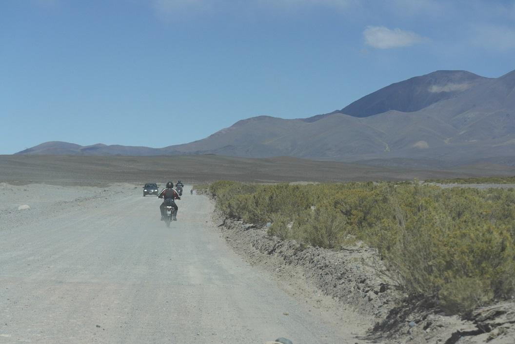 Motorrijders onderweg op dezelfde route