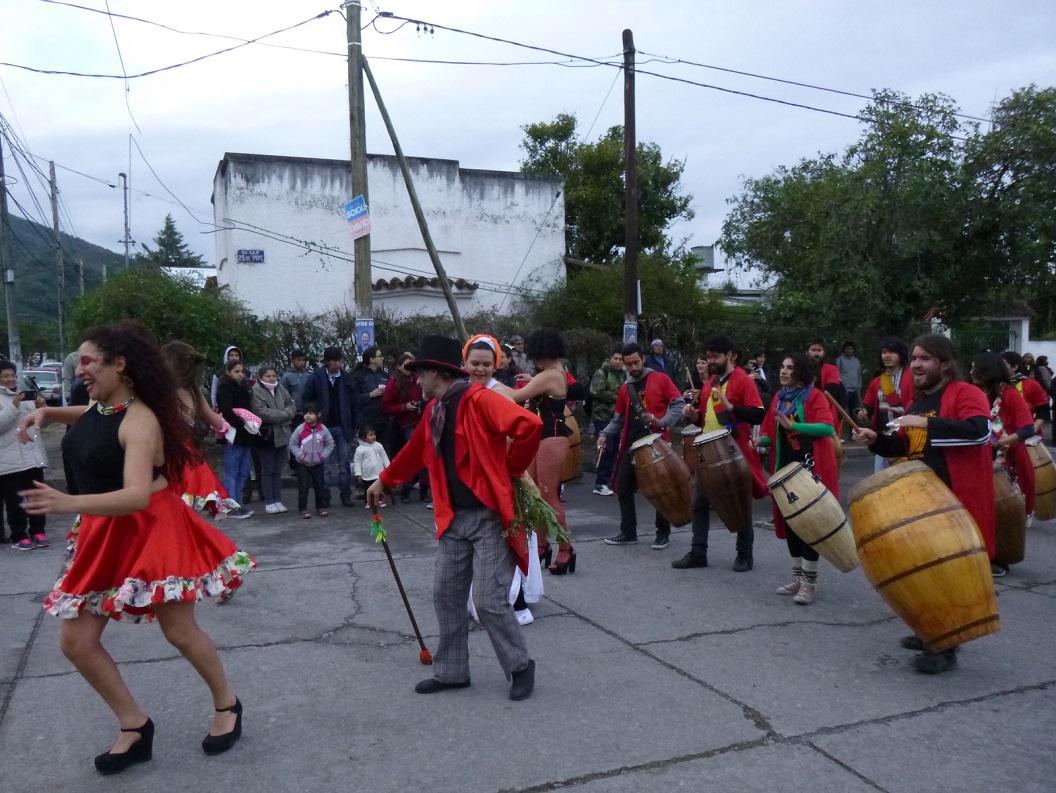 28 Tangombe, traditionele muziek, dans en spel