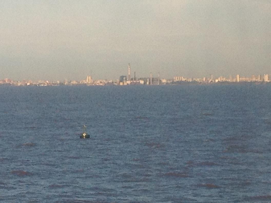 01 aan de horizon Buenos Aires in de ochtendzon