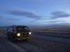 37 Salinas Grandes in de vroege avond, hoopjes zout liggen al klaar voor vervoer en eerste verwerking in het  nabijgelegen fabriek(je)