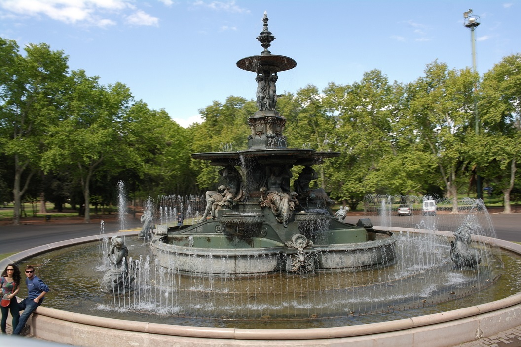 02 fontein in Parque General San Martin