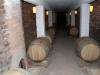 29 de wijnkelder, de huidige wijn in eikenhouten vaten