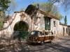 36 Vooraanzicht van de wijnboerderij Familia Di Tommaso