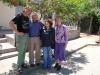 32 samen met Luis en Nellie voor hun huis, veel gedeeld, een fijne tijd met elkaar