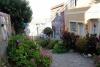 79 ondergedompeld in haar overvloed aan kleuren- bijna einde van onze wandeling door de stad Valparaiso