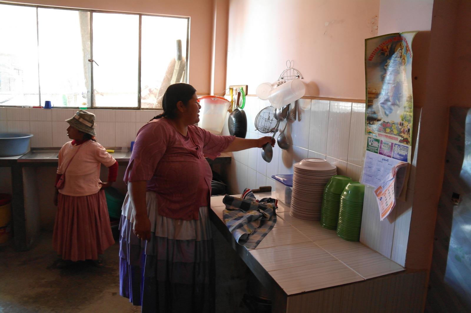 07 de keuken waar dagelijks de lunch voor de kinderen wordt klaargemaakt
