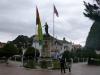 15 de Plaza 2 de Febrero nu weer rustig. In de vroege ochtend werd er met veel militair ceremonie, kapelmuziek en toespraken de Boliviaanse vlag gehesen