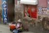 24 straatverkoop, vaak eigen gemaakte producten of gewassen
