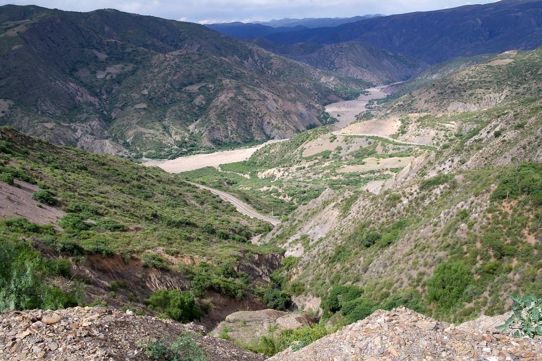 02 prachtige route hoog door de bergen op weg naar Sucre