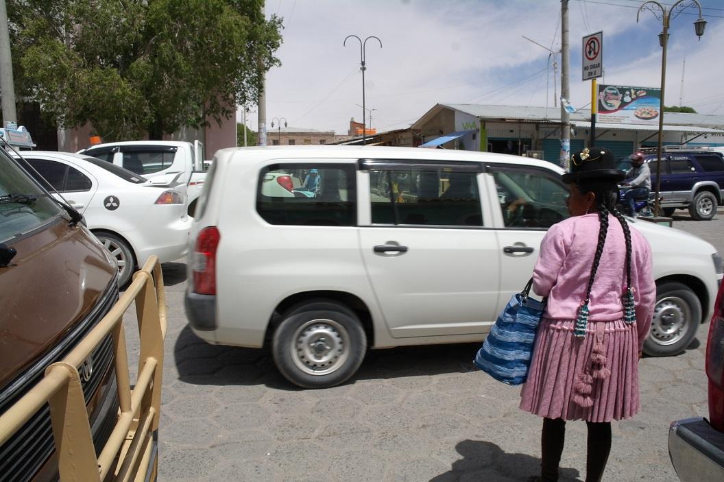15 verkeersdrukte in de straten van Uyuni