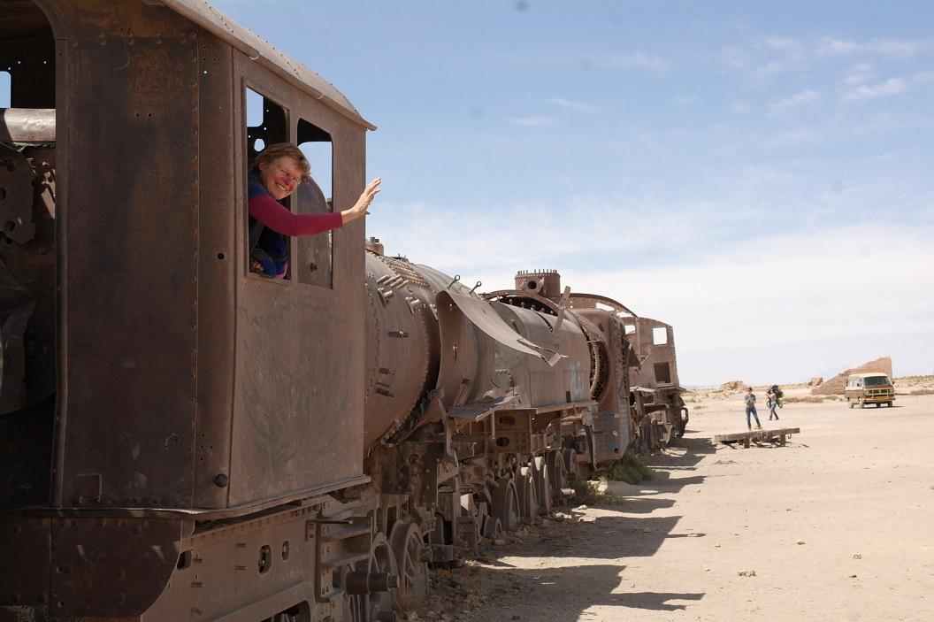41 bij verlaten van het stadje Uyuni bezoeken we het Cemeterio de trenes. Het Trein- Museum-Kerkhof even buiten Uyuni