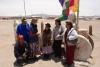23 kennismaking met medebezoekers, familie uit Bolivia, belangstelling over en weer. Waar kom je vandaan, waar vind je van Bolivia en waar gaan jullie heen. Willen graag samen op de foto