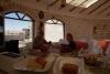 38 ontbijten in dit Zout Hotel, raken niet uitgekeken hoe creatief en functioneel en overal volop kerstversiering en kerstsfeer