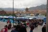 23 kerstmarkt op Plaza de Arms, de kerstmarkt in Cusco de grootste in Peru
