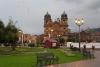 21 de bekendste plek in de stad is Plaza de Armas, een schittend plein omgeven door historische gebouwen. Men is er druk bezig met voorbereidingen voor de kerstmarkt