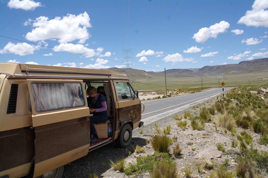 13 lunchtijd, na een paar uur gereden te hebben maken we een stop in het Alto Plano