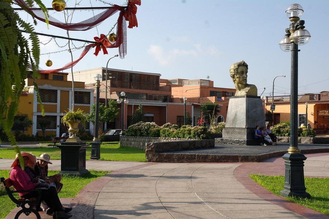 55 wandeling en zwerven door de rustige buitenwijken van Lima