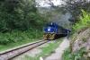 57 onderweg passeert de trein die op weg is naar Machu Picchu dorp