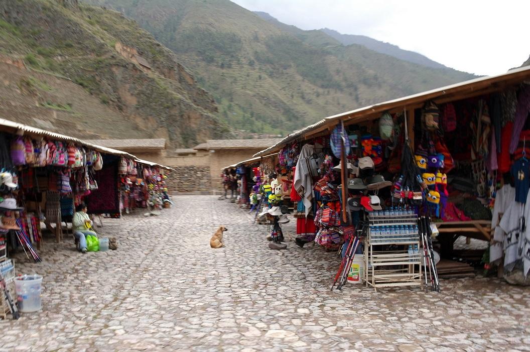 21 kleurige markt in Olantaytambo