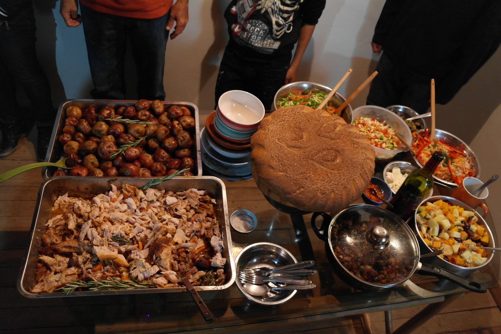 28 na een actieve en gezellige avond staat de Kerstmaaltijd klaar