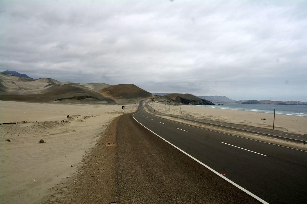 02 route Panamericana Nort langs de kust aan de Pacific Ocean ( Grote Oceaan)
