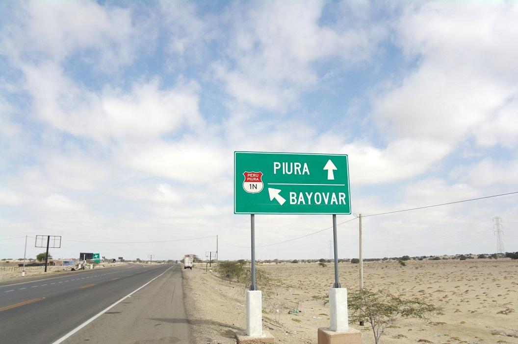 28 wij gaan rechtdoor, Piura richting grens Peru - Ecuador