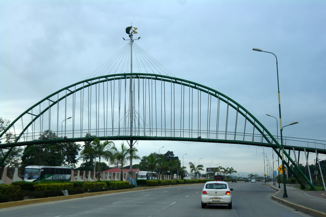 35 we rijden Machala weer uit, vandaag laatste kilometers - ca 515 km - naar Quito