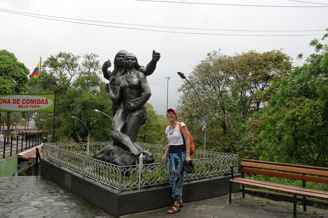 10 Cacique Nutibara - 1955 - beeldhouwer Jose Horacio Betancur, op Pueblito Paisa