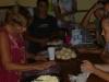 32 met elkaar veel gezelligheid en plezier tijdens de vrije uren in het vrijwilligershuisP1020258