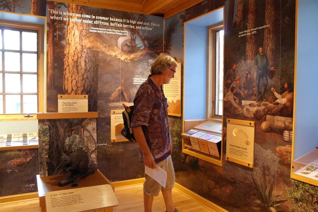 09 bezoek aan North Rim Visitor Center SAM_6268