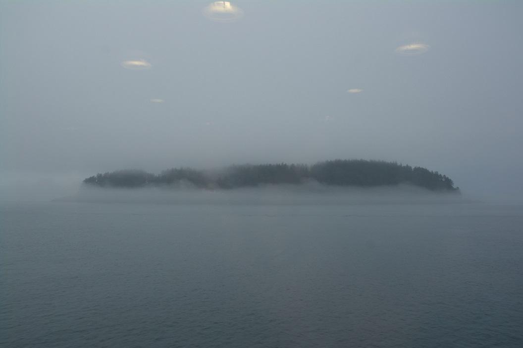 04 eilandjes in de wolken ... haast mistiek SAM_0141