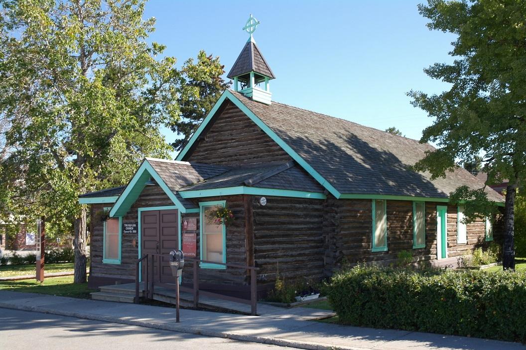 22 één van de oudste gebouwen van Whitehorse - The Old Log Church, gebouwd in 1900 - nu een museum doch helaas al gesloten - toerist seizoen is over SAM_0754