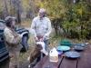 03 praatje maken met een mede kampeerder en goudzoeker! P1020943