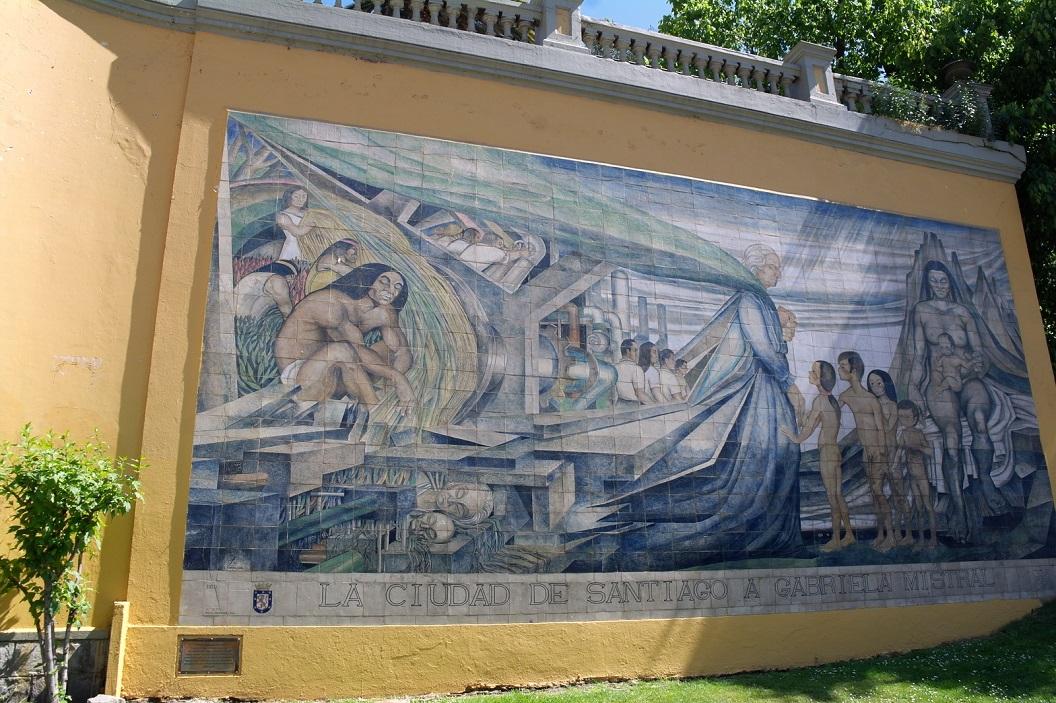50 muurschildering ter ere van de dichteres en Nobelprijswinnares Gabriela Mistral bij Terraza Neptuno van Cerro Santa Lucia Welen Hill
