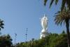 42 zicht op het 14 m hoge beeld van Maria die haar armen beschermend uitspreidt over de stad