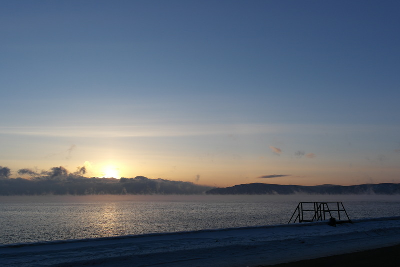 10-zonsondergang-over-lake-baikal-bij-listvianka